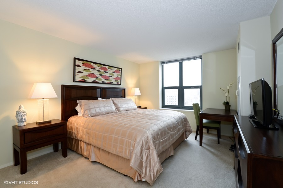 Best Price on Hotel Suites Chicago Suburbs